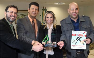 Governadora em exercício do Paraná recebe dirigentes da Fetracoop